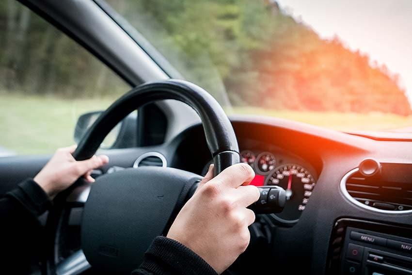 Elektrische Felder im Fahrzeug-Innenraum