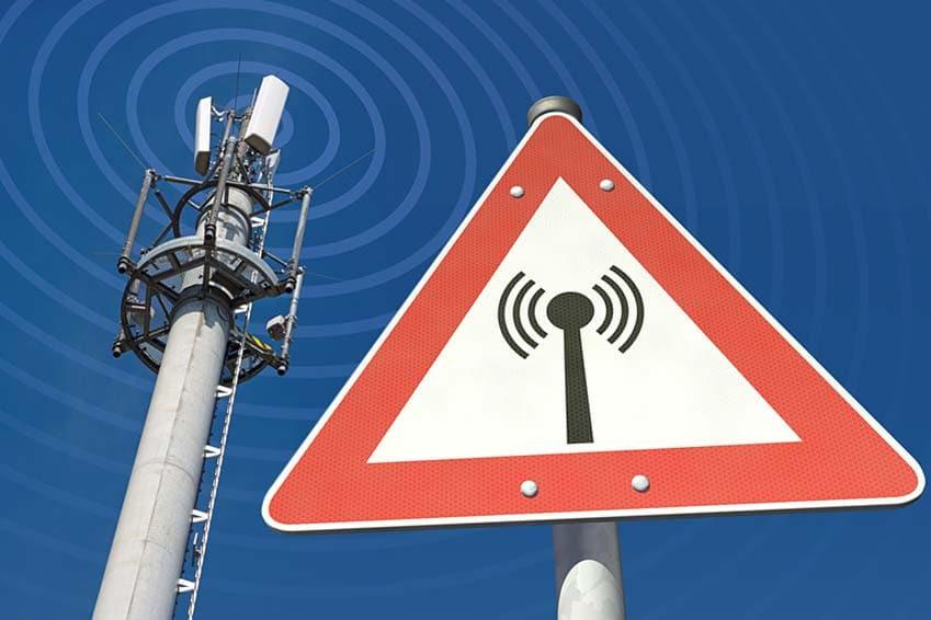 Handystrahlung von Mobilfunkantenne Warnschild