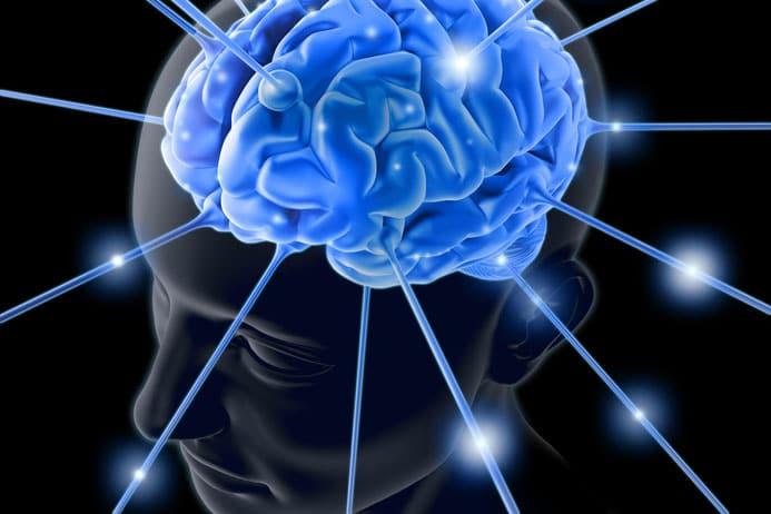 Mensch ist elektrischen Feldern ausgesetzt